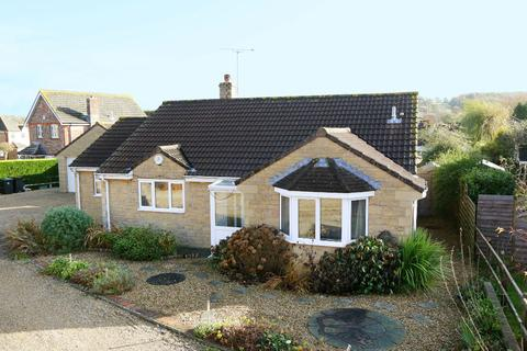 3 bedroom bungalow for sale - Hollis Close, Halstock, Yeovil, BA22