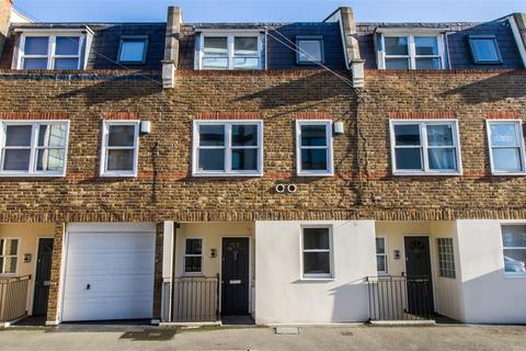 3 bedroom townhouse to rent - The Crescent, Wimbledon Park