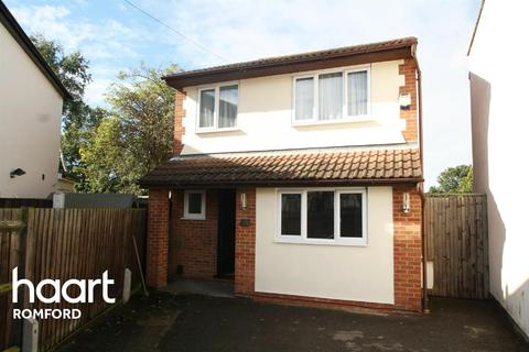 3 bedroom detached house for sale - Kenway, Collier Row, Romford