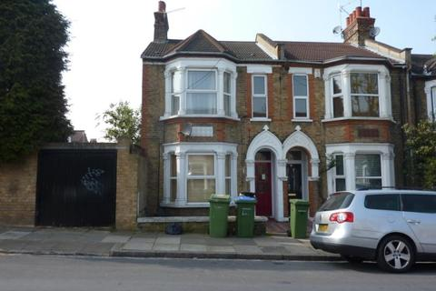 3 bedroom terraced house to rent - Chancelot Road, Abbey Wood, London, SE2 0ND