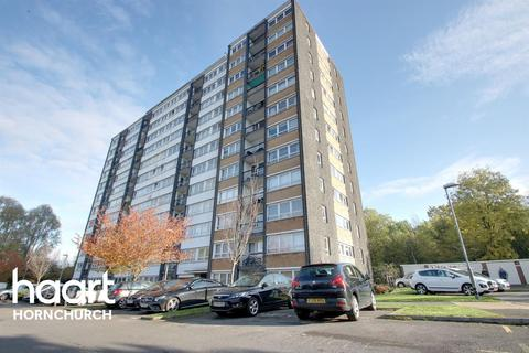 2 bedroom flat for sale - Haynes Park Court, Hornchurch