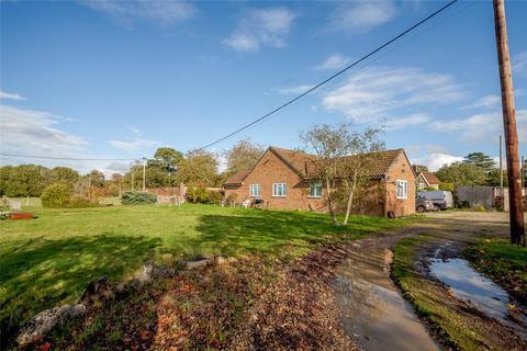 4 bedroom detached bungalow for sale - Brimpton Common, Reading, Berkshire, RG7