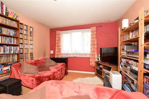 1 bedroom ground floor flat for sale - Thant Close, London