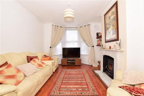 4 bedroom terraced house for sale - Barrett Road, London