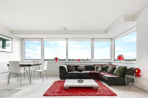 2 bedroom flat for sale - Aragon Tower, George Beard Road, London, SE8