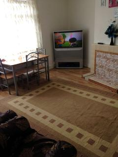 2 bedroom flat to rent - Aylands Road, Enfield