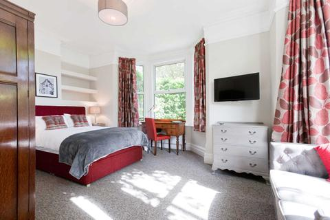1 bedroom house share to rent - Waverley Road, Reading