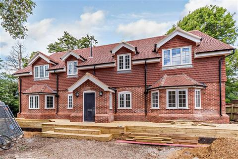 5 bedroom detached house for sale - Turners Oak, Vicarage Close, Old Malden, Worcester Park, KT4