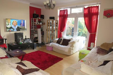 5 bedroom semi-detached house for sale - Crawford Avenue, Wembley, Middlesex HA0
