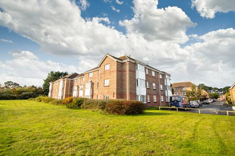 2 bedroom flat for sale - Goldenleas Drive, Bournemouth, BH11