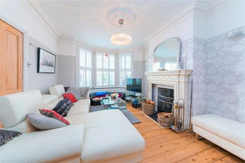 3 bedroom terraced house for sale - Erskine Road, Walthamstow, London