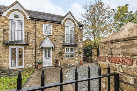 3 bedroom house for sale - Hornchurch road, Hornchurch, Essex, RM11 1DT