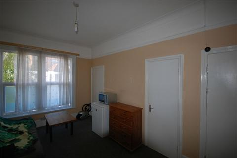 Studio to rent - Sainfoin Road, Balham