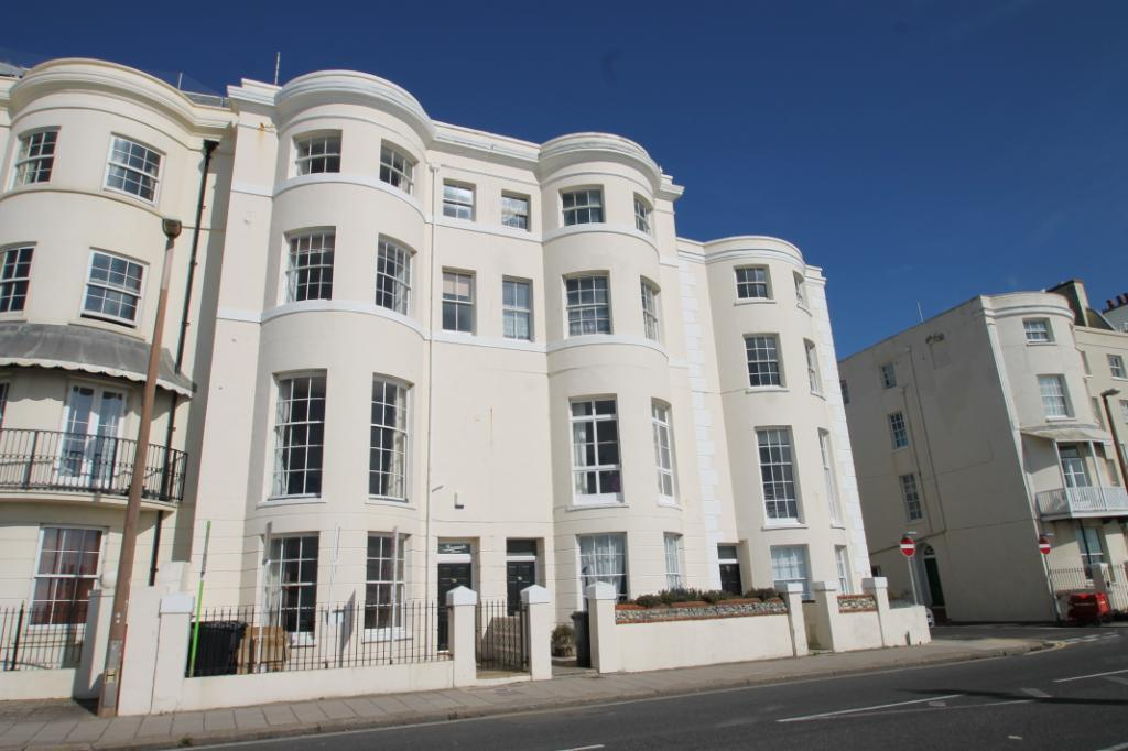 1 Bedroom Flat for sale in Marine Parade, Worthing, West Sussex, BN11