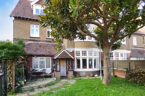 2 bedroom ground floor flat for sale - Norfolk Road, Littlehampton