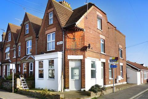 1 bedroom ground floor flat for sale - Queen Street, Littlehampton