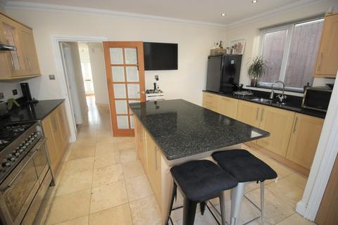 3 bedroom bungalow for sale - Crescent Road, Alexandra Park