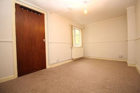 Studio to rent - Coronation Road, Southville