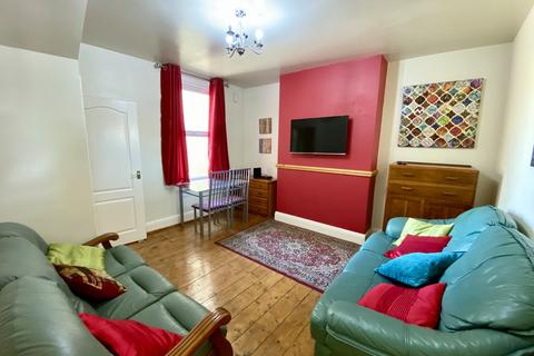 6 bedroom terraced house to rent - Stanley Road West, Oldfield Park, Bath