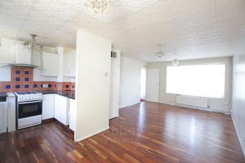 2 bedroom flat to rent - Pembroke Avenue - Challney - LU4 9BJ