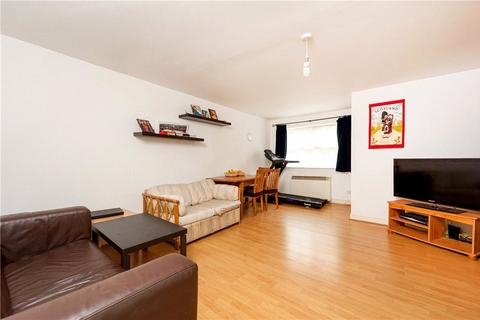 2 bedroom apartment to rent - Lisle Close, London, SW17