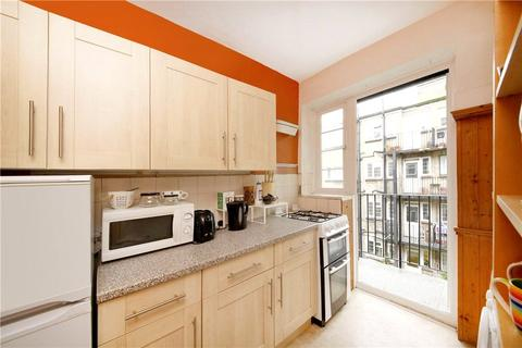 2 bedroom apartment to rent - Poynders Road, London, SW4