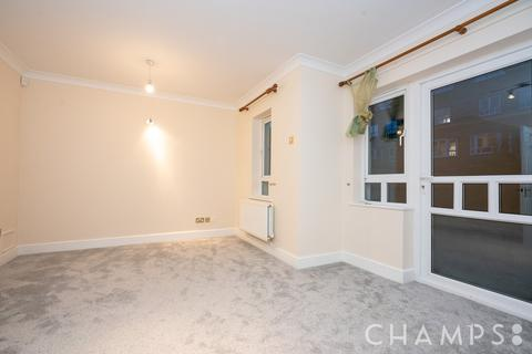 4 bedroom semi-detached house to rent - May Bate Avenue, Kingston Upon Thames