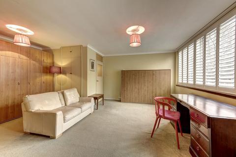 Ground floor flat to rent - St George's Square, Pimlico, SW1V