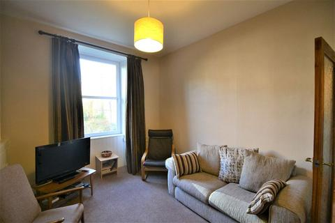 2 bedroom flat to rent - Caledonian Place, Edinburgh      Available 21st July