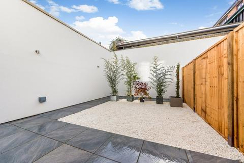 3 bedroom detached house for sale - Willow Vale, Shepherds Bush, London, W12