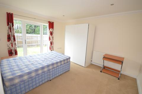 4 bedroom detached house to rent - Ensbury Gardens, Ensbury Park, Bournemouth