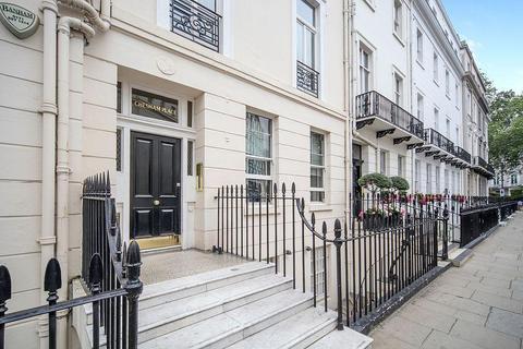3 bedroom flat to rent - Chesham Place, Knightsbridge, Belgravia, London, SW1X 8HN
