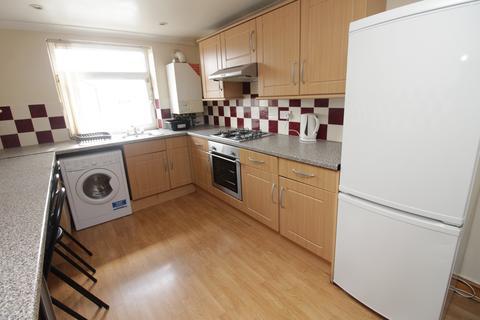 3 bedroom flat to rent - Crwys Road , Cathays , Cardiff