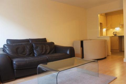 1 bedroom apartment to rent - Commercial Road, London