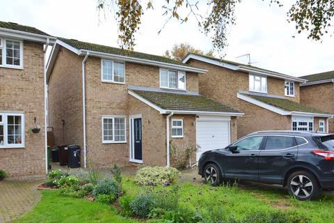 3 bedroom detached house for sale - Charles Drive, Thame