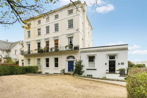 2 bedroom apartment for sale - London Road, Cheltenham