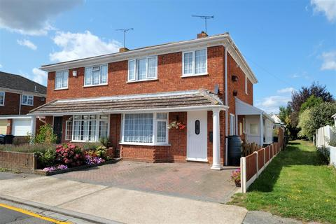 3 bedroom semi-detached house for sale - Wynn Road, Whitstable
