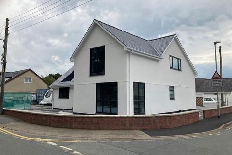 4 bedroom detached house for sale - Morfa Bychan, Porthmadog
