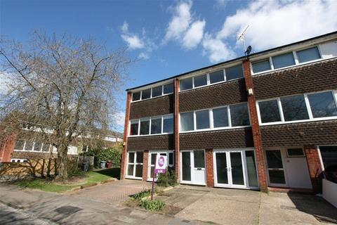 4 bedroom house to rent - Hillbrow, Reading