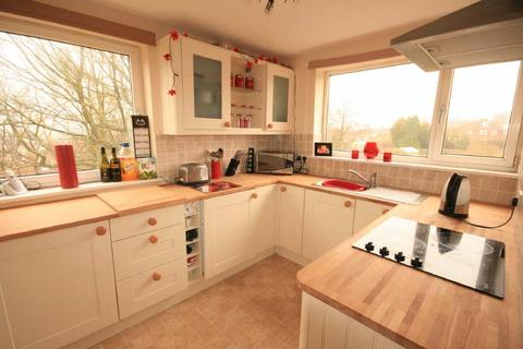 2 bedroom apartment to rent - Hillcrest Rise, Cookridge