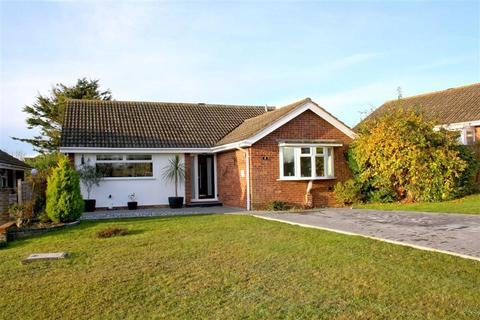 2 bedroom detached bungalow for sale - Princess Drive, Seaford, East Sussex