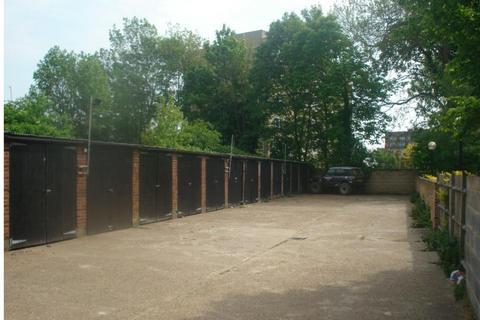 Garage to rent - Union Street, Maidstone