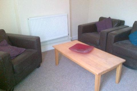 3 bedroom house to rent - Claude Street, Dunkirk, Nottingham, Nottinghamshire, NG7