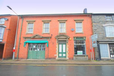 Property to rent - East Street, Rhayader