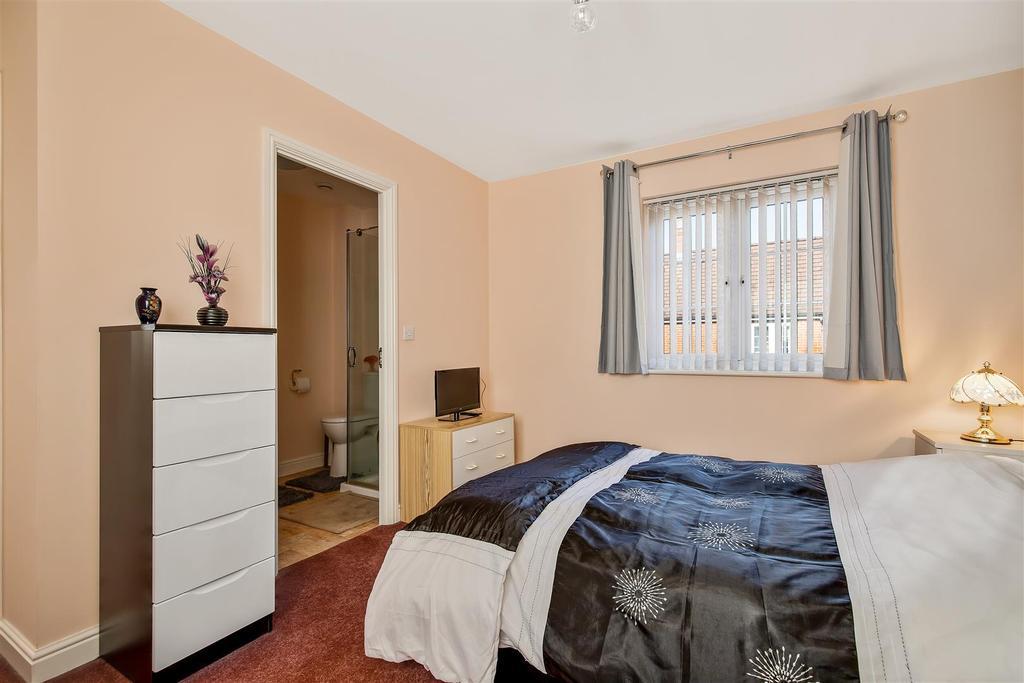 Bedroom 1 (2).jpg