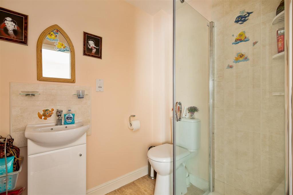 Bedroom 1 En Suite.jpg