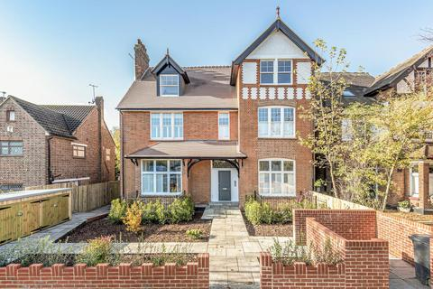 2 bedroom flat for sale - Conyers Road, Streatham