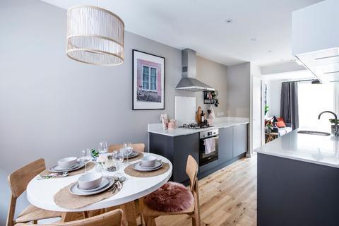 3 bedroom townhouse for sale - ELISABETH GARDENS, Houldsworth Street, Reddish, SK5 6BU