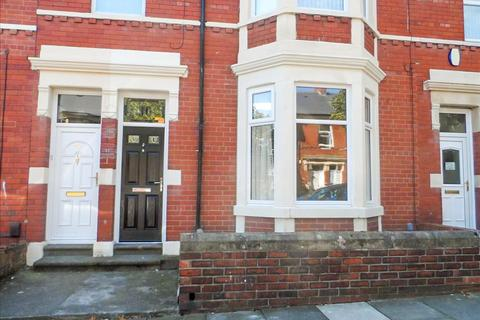 2 bedroom ground floor flat to rent - Queen Alexandra Road, North Shields, Tyne and Wear, NE29 9AR
