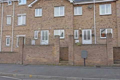 3 bedroom terraced house to rent - Swanmore Court, Swanmore Road